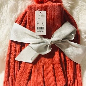 New York & Company Knitted Hat & Gloves